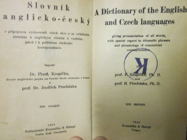 Image for A Dictionary of the English and Czech Languages, giving pronunciation of all words, with special regard to idiomatic phrases and phraseology of commercial correspondence.